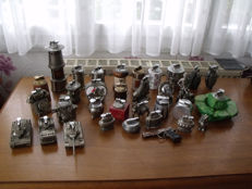 Lot de 33 briquets divers