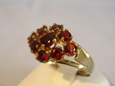 Gold Victorian ring with rose garnets.