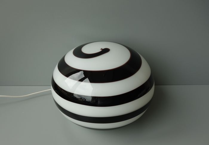 "ILU di Vetro – round table lamp ""Zebra"""