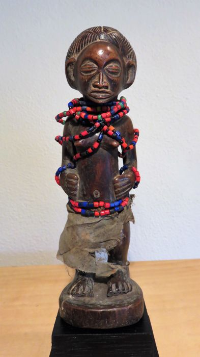 Female figurine - CHOKWE - Angola