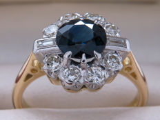 Certified platinum & gold ring with diamonds and sapphire – 1.715 ct **No Reserve**