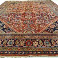 "Antique SAROUGH-MAHAL - Iran - 315 x 234 cm. - ""Impressive, large, antique Persian carpet"" - Second half of previous century."