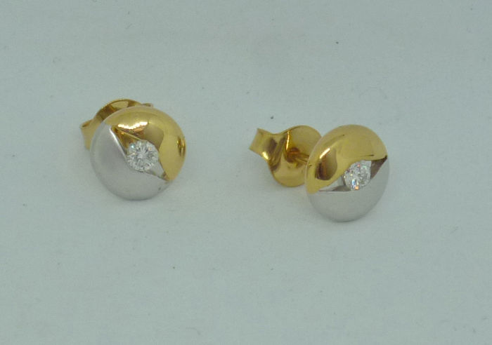 18k white and yellow gold Ladies earrings with diamonds