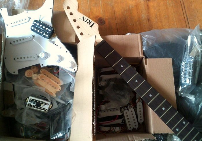 Great box with many mint electric guitar parts and pickups !