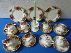 20 Piece Exclusive Porcelain Royal Albert Cup and saucers set - men and women, cake plates and candle standard