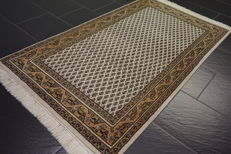 Beautiful hand-knotted oriental carpet, Sarough Mir, 90 x 160 cm, made in India, very good condition
