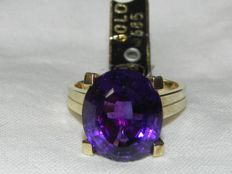 Amethyst cocktail ring 14kt - 585 gold - 17.5 mm