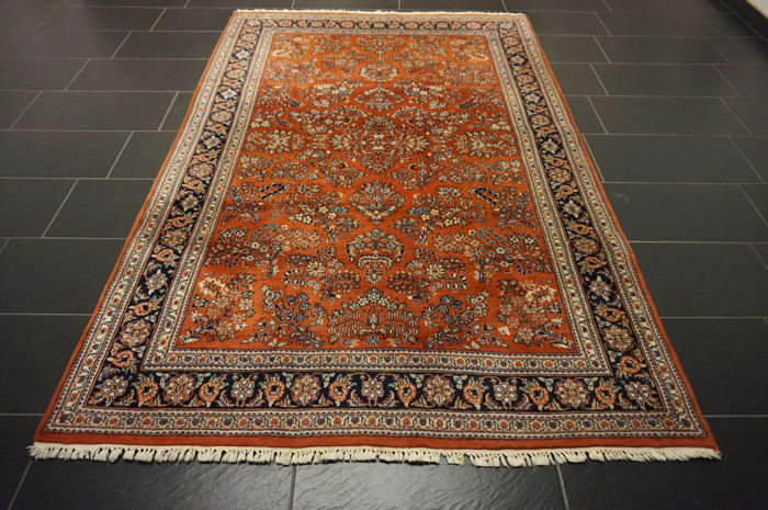 Magnificent handwoven Indo Sarough Us designer Sarough 160 x 250 cm, made in India, end of the 20th century