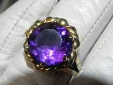 XXL Amethyst  Cocktail  Ring 14 kt – 585 Gold – Diameter 16.7 mm