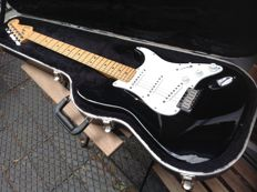 40th Anniversary Fender Stratocaster only made 1 year, Nice Collector! - USA - 1994