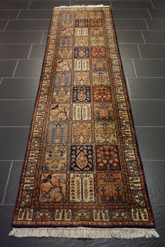 Magnificent hand-knotted Indo field Qom, 85 x 285 cm, made in India, end of the 20th century