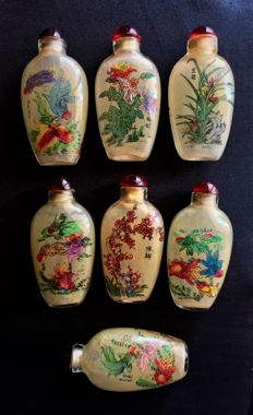 Lot of 7 Glass Snuff Bottles with Cap - China - late 20th Century
