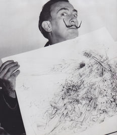 Unknown/AP - Salvador Dali - 1954