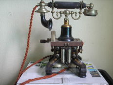 Eiffel Tower skeleton telephone patented oct 29. 1895 from Ericsson made in Sweden B L M Ericsson & Cie Stockholm, cast iron base