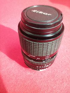 SIGMA 28/70 zoom objective in very good condition