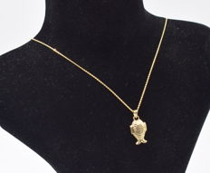 14 carat yellow  and white gold chain with  fish pendant  - 45 cm