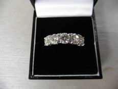 18k Gold Five Stone Diamond Ring - 3.52ct - size 52