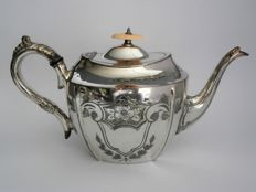 Antique teapot with beautiful engraving, E. Stacey & Sons, ca. 1920