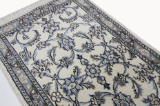 Fine genuine Nain Persian carpet, 3.00 x 0.85, hand-knotted Oriental carpet with silk, gallery, top condition, no reserve price