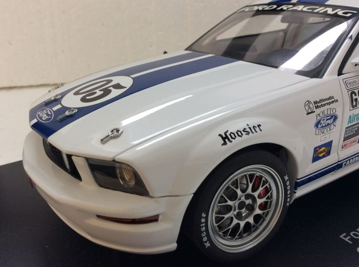 AUTOart - Scale 1/18 - Ford Racing Mustang FR500C 2005 Grand-Am Cup Championship S.Maxwell/D.Empringham#05