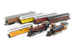 Electrotren/Roundhouse/Kitmaster/Frateschi H0 - Set with 2 steam locomotives (dummy) and 5 carriages of the USA