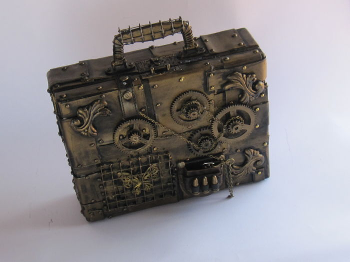 Steampunk Briefcase with working clock