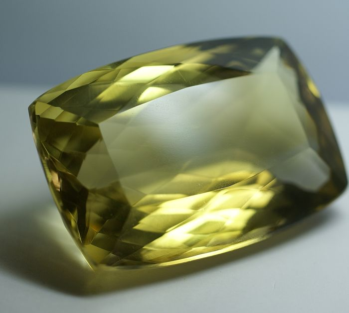 Citrine, yellow,   503.75 ct
