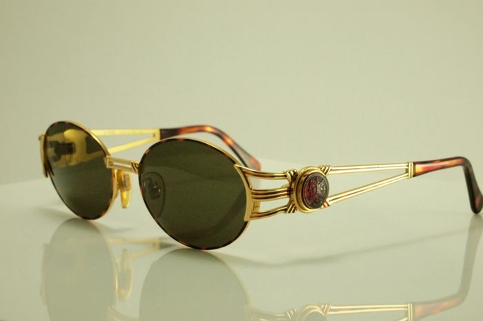 Fendi - sunglasses - women's - Vintage around 1980
