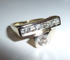 Creative designer ring made of 14 kt / 585 gold with white brilliant-cut diamonds of approx. 0.80 ct.