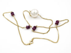 18 kt yellow gold - Choker - 0.60 ct cabochon cut rubies - Pearl - Length: 45 cm (approx.)
