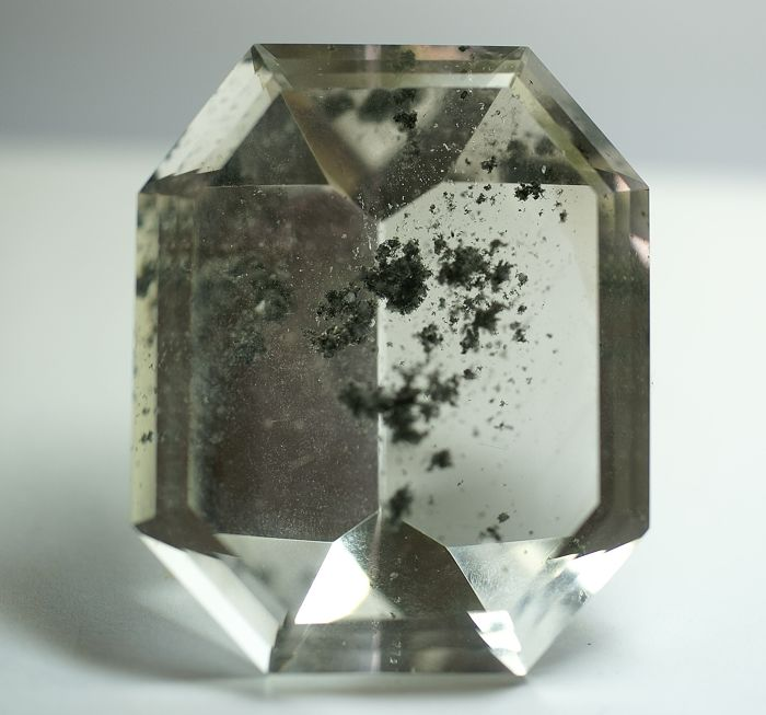 Rock Crystal, with Chlorite Inclusions - 406,90 ct