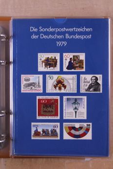 Federal Republic of Germany 1975/1991 - collection of German post year books in 4 Safe ring binders