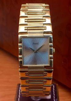 Piaget Dancer 80317 K81. 18 kt gold. Men's watch. Quartz. 1990s.