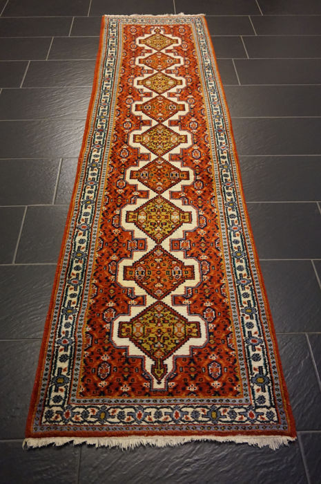 Persian carpet Hamadan runner70 x 270 cm Made in India  Quality highland wool
