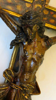 An impressive Baroque style polychrome and gilt wood Crucifix - Portugal - ca. 1860-80