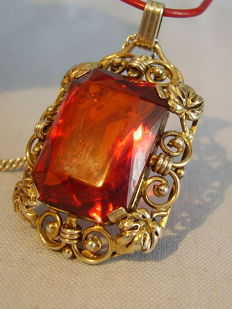 Antique pendant with large, faceted amber, made circa 1935-40