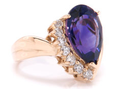 Certified gold ring with diamonds and amethyst – 4.292 ct – **no reserve price**