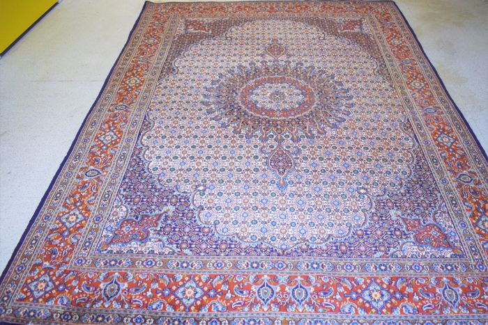 Beautiful Persian carpet, Moud with silk – 20th century, around 1980 – 300 x 205 cm – mint condition – with certificate of authenticity