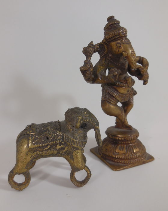 Bronze Ganesha and Dhokra elephant – India – early 20th century