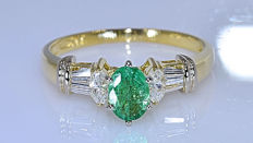 Colombian Emerald with Diamonds marquise ring - No reserve price!