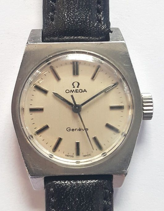 Vintage ladies wrist watch Omega - Switserland around 1960
