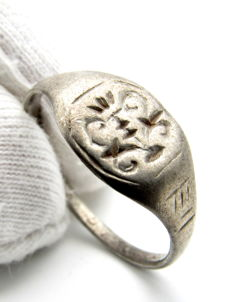 Medieval Holy Land Silver Heraldic Seal Ring - 20 mm