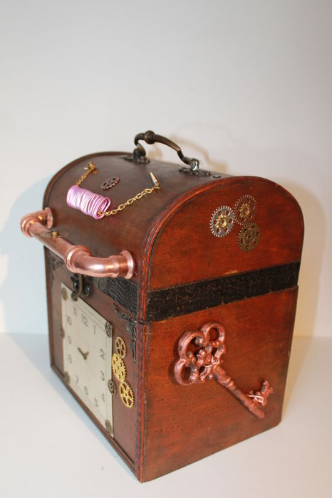 Steampunk Suitcase (Trunk)