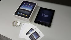 Apple iPad 1, 32GB (A1219) with original box, charger, etc.