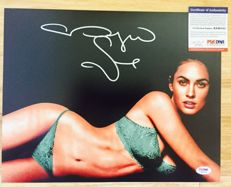 Megan Fox - Personally Signed 28x35 cm Amazing Photo - With Certificate of Authenticity PSA/DNA