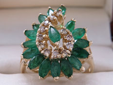Certified gold cocktail ring with diamonds & emeralds – 2.06 ct in total. **No Reserve**