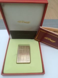 Goldplated Dupont lighter CA 1980.