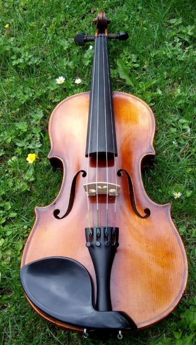 Old German violin to Stradivarius model