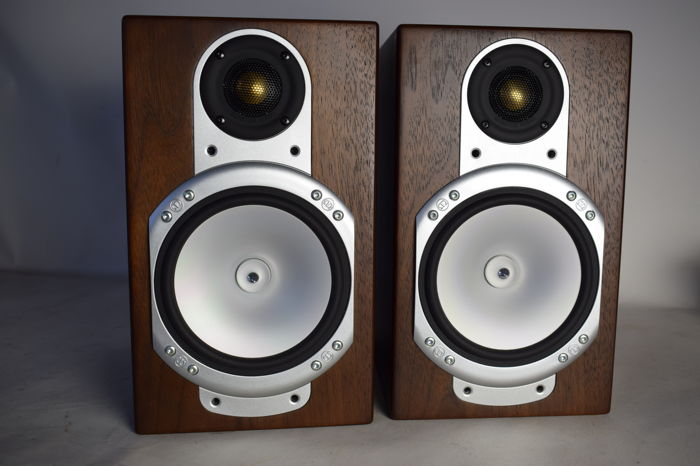 Two Speakers Monitor Audio Silver RS1
