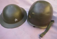 Lot of 2 military helmets: 1 French military helmet and 1 English military helmet.